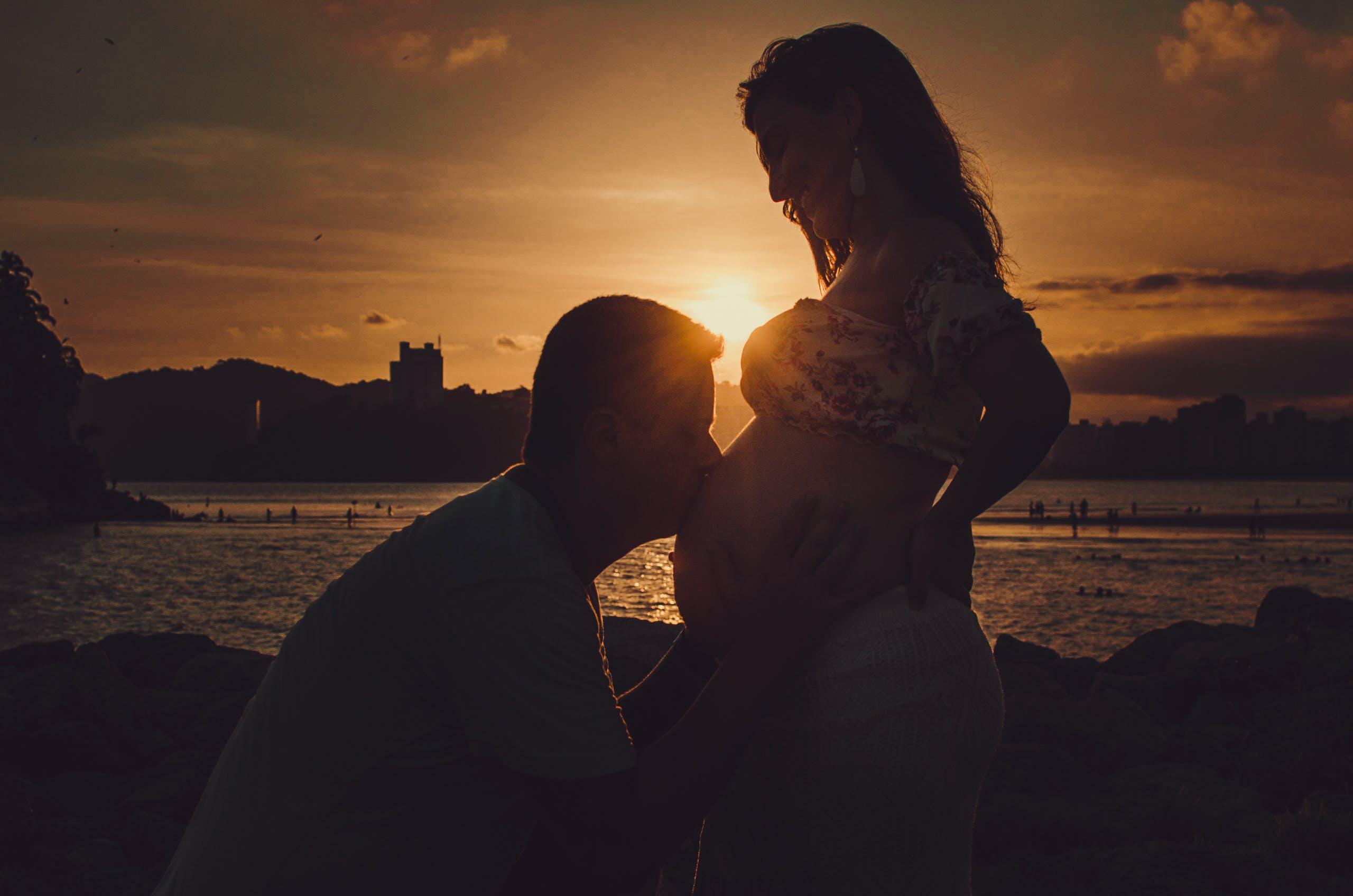 Ingyenes stockfotó alkonyat, boldog, csók, csókolózás témában