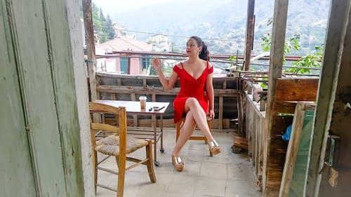 Foto stok gratis berasap, cinta, Desa, gaun merah