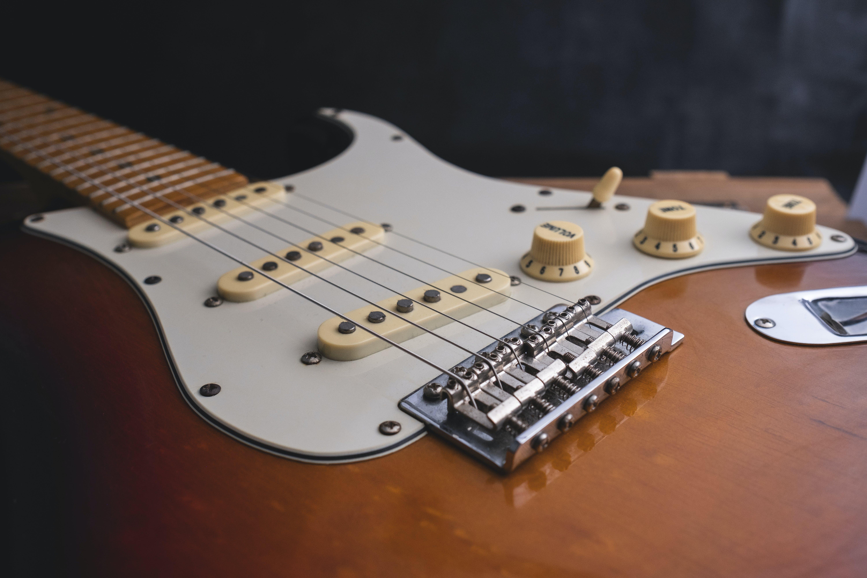 Základová fotografie zdarma na téma elektrická kytara, klasická kytara