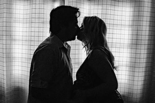 Základová fotografie zdarma na téma amor, beijo, dvojice, gestante
