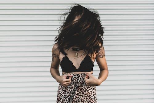 Ingyenes stockfotó barna, borító, haj, kéz témában