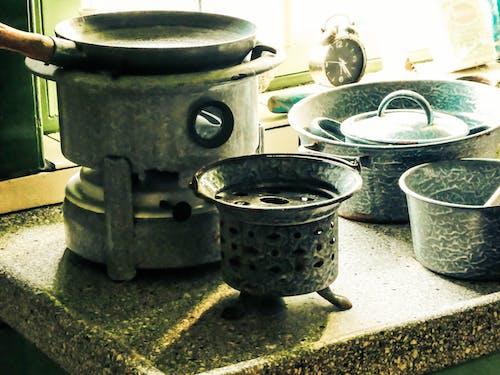 Foto stok gratis dapur, koleksi vintage, peralatan dapur, vintage