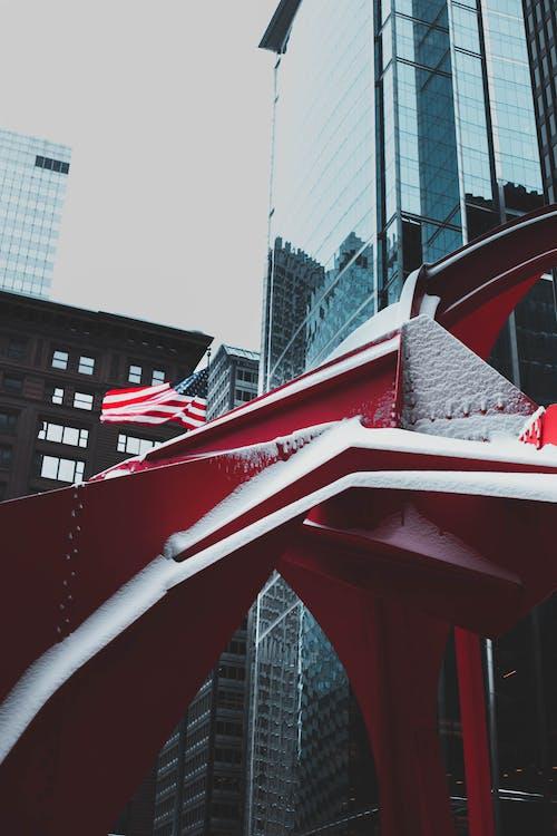 Immagine gratuita di architettura, bandiera, Bandiera americana, centro città