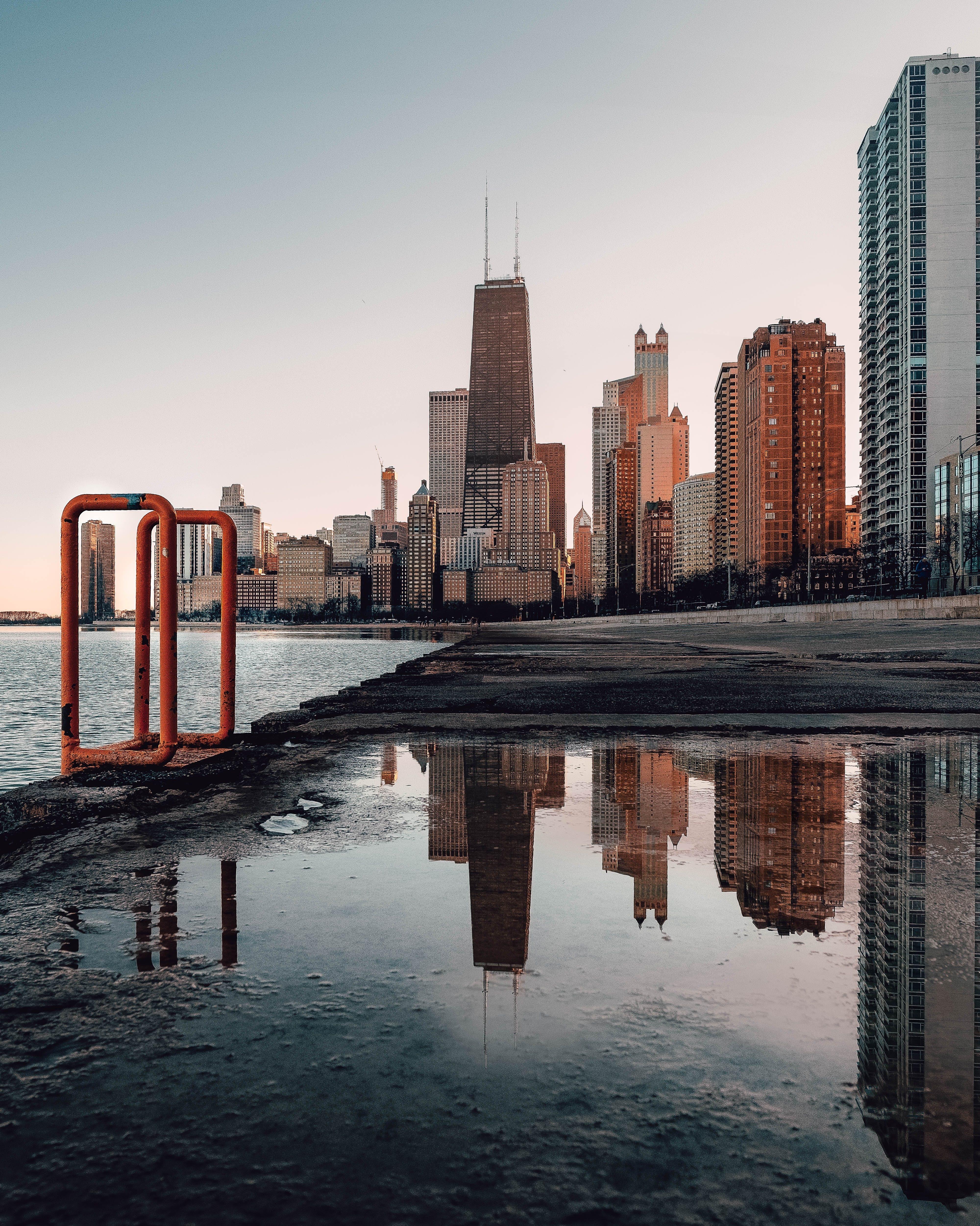 Ingyenes stockfotó építészet, felhőkarcoló, felhőkarcolók, fényvisszaverődés témában