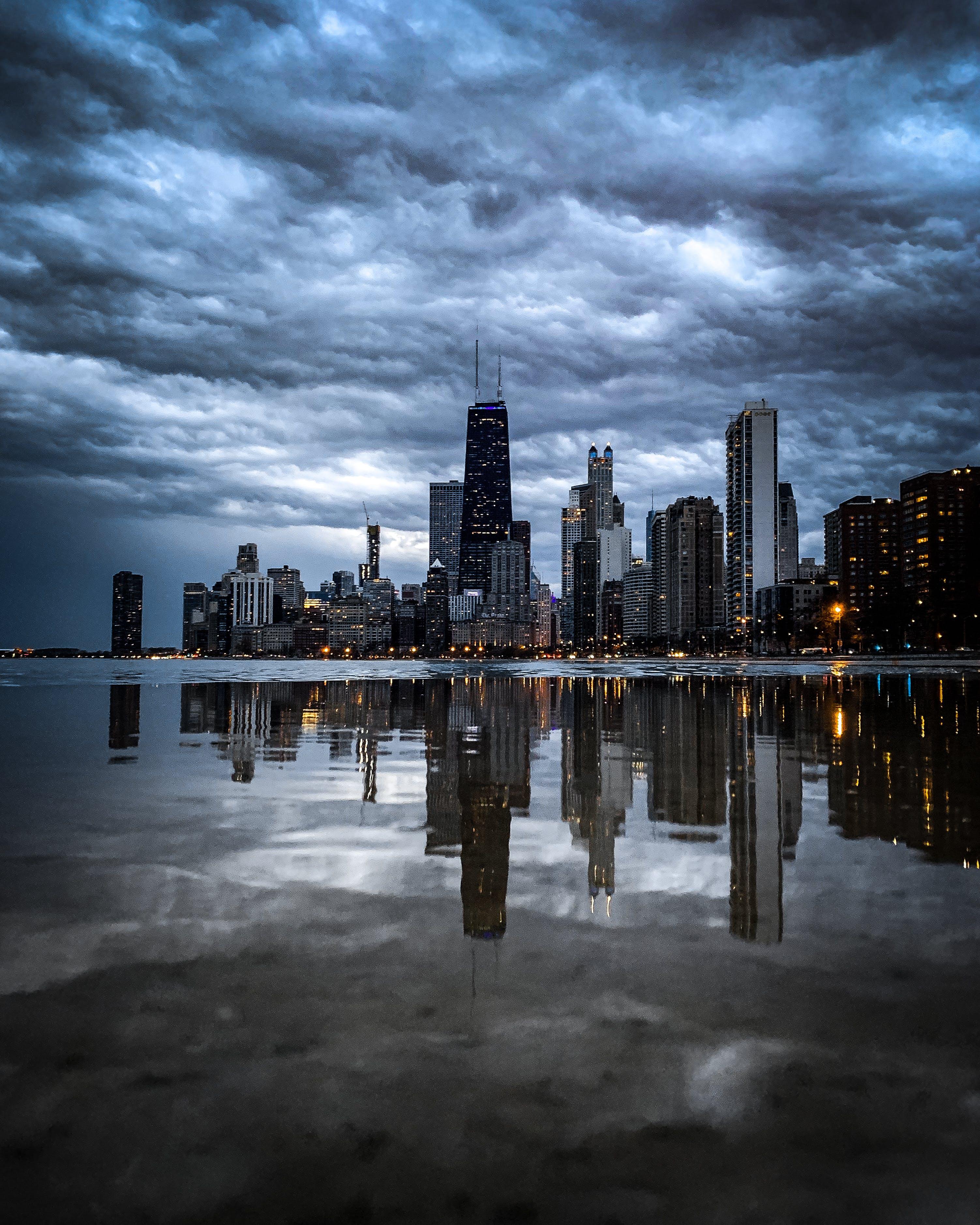 강가, 건물, 건축, 고층 건물의 무료 스톡 사진