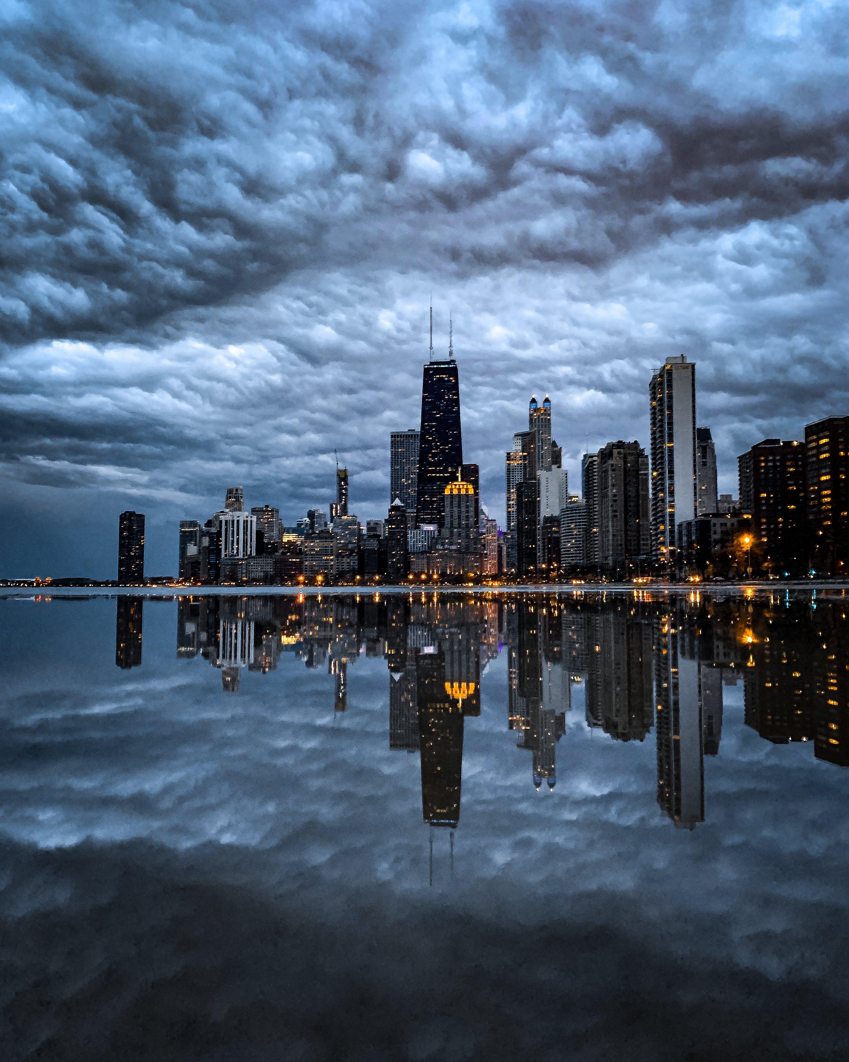 가장 높은, 강가, 건물, 건축의 무료 스톡 사진