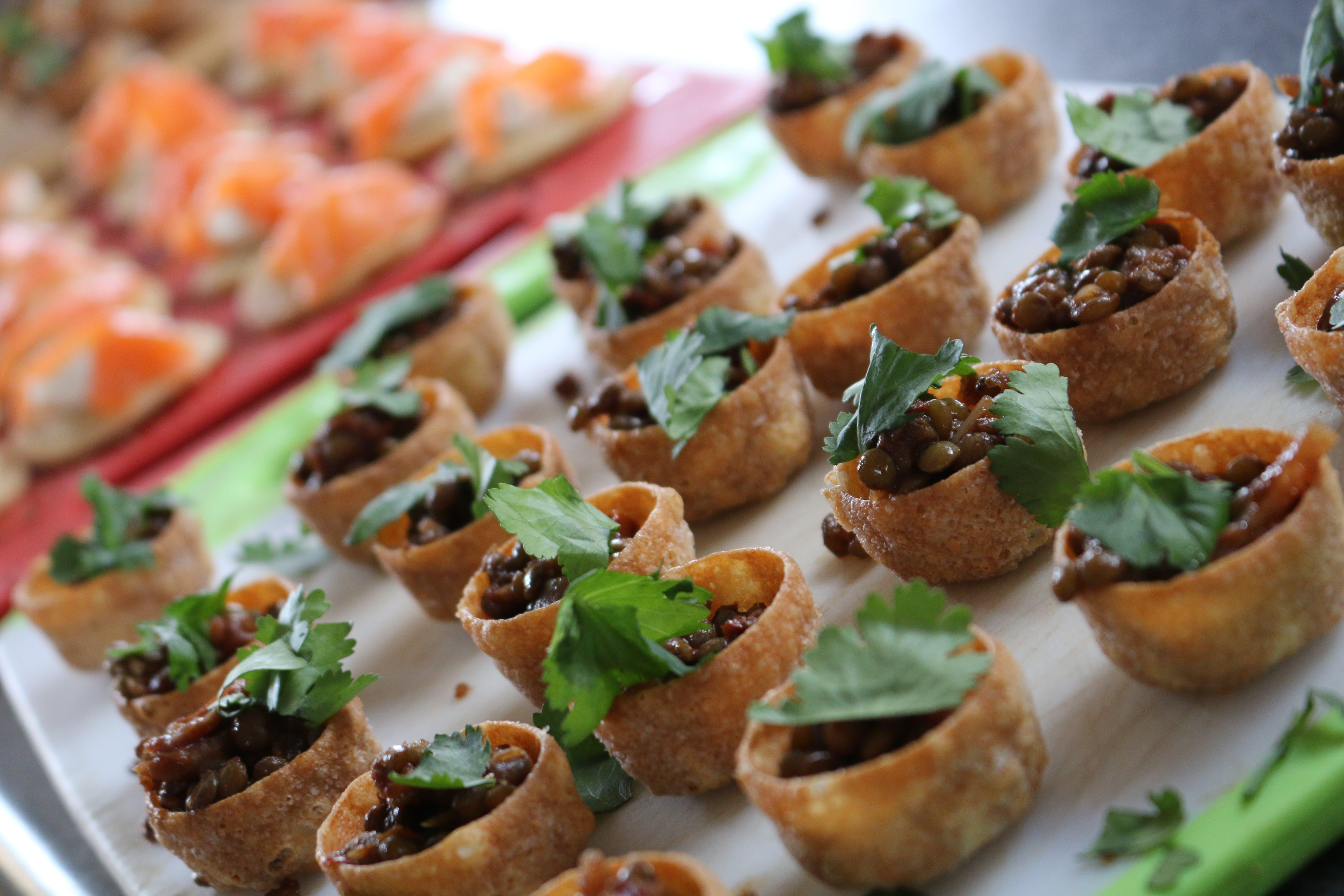 Foto d'estoc gratuïta de aliments del casament, boda, menjar amb els dits