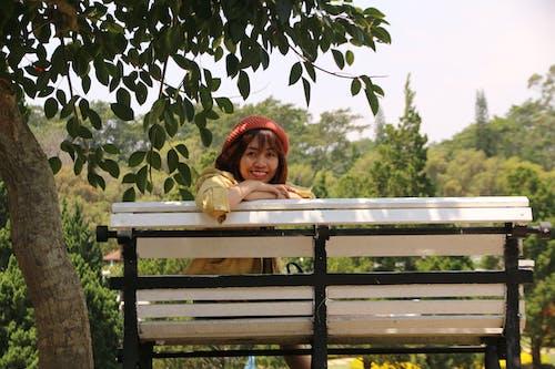 享受, 可愛的, 坐, 女人 的 免費圖庫相片
