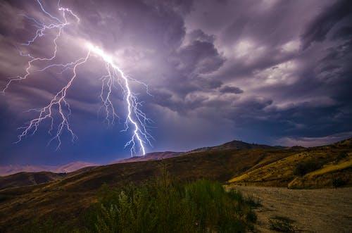 Бесплатное стоковое фото с буря, вечер, вспышка, гроза