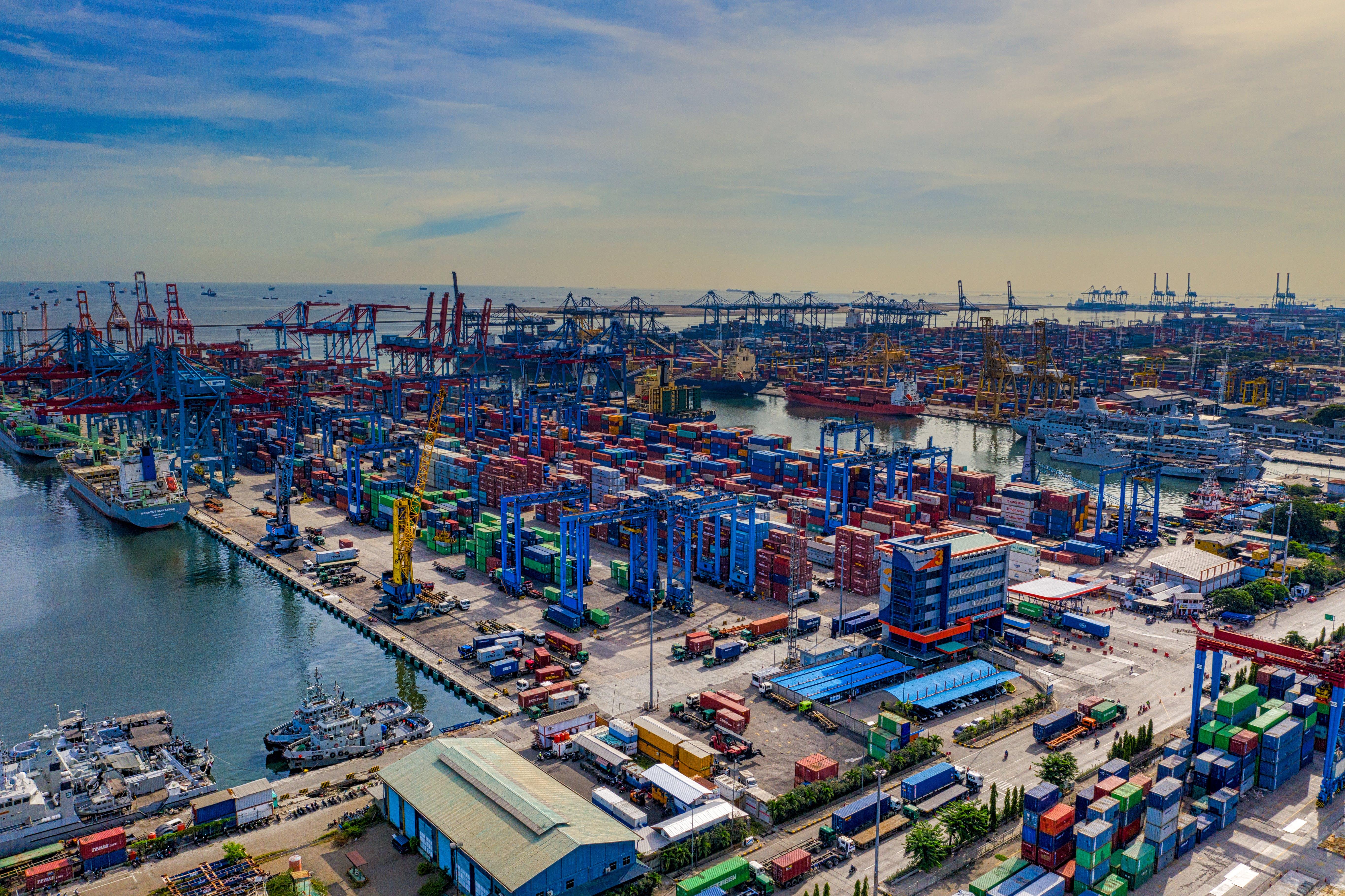 Безкоштовне стокове фото на тему «Індонезія, архітектура, бізнес, берег моря»