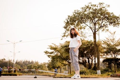 Kostenloses Stock Foto zu asiatische frau, erholung, frau, freizeit