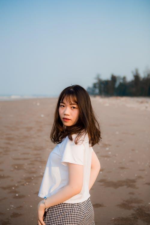 레저, 모델, 모래, 바다의 무료 스톡 사진