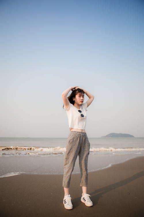 Бесплатное стоковое фото с азиатка, активный отдых, выражение лица, досуг