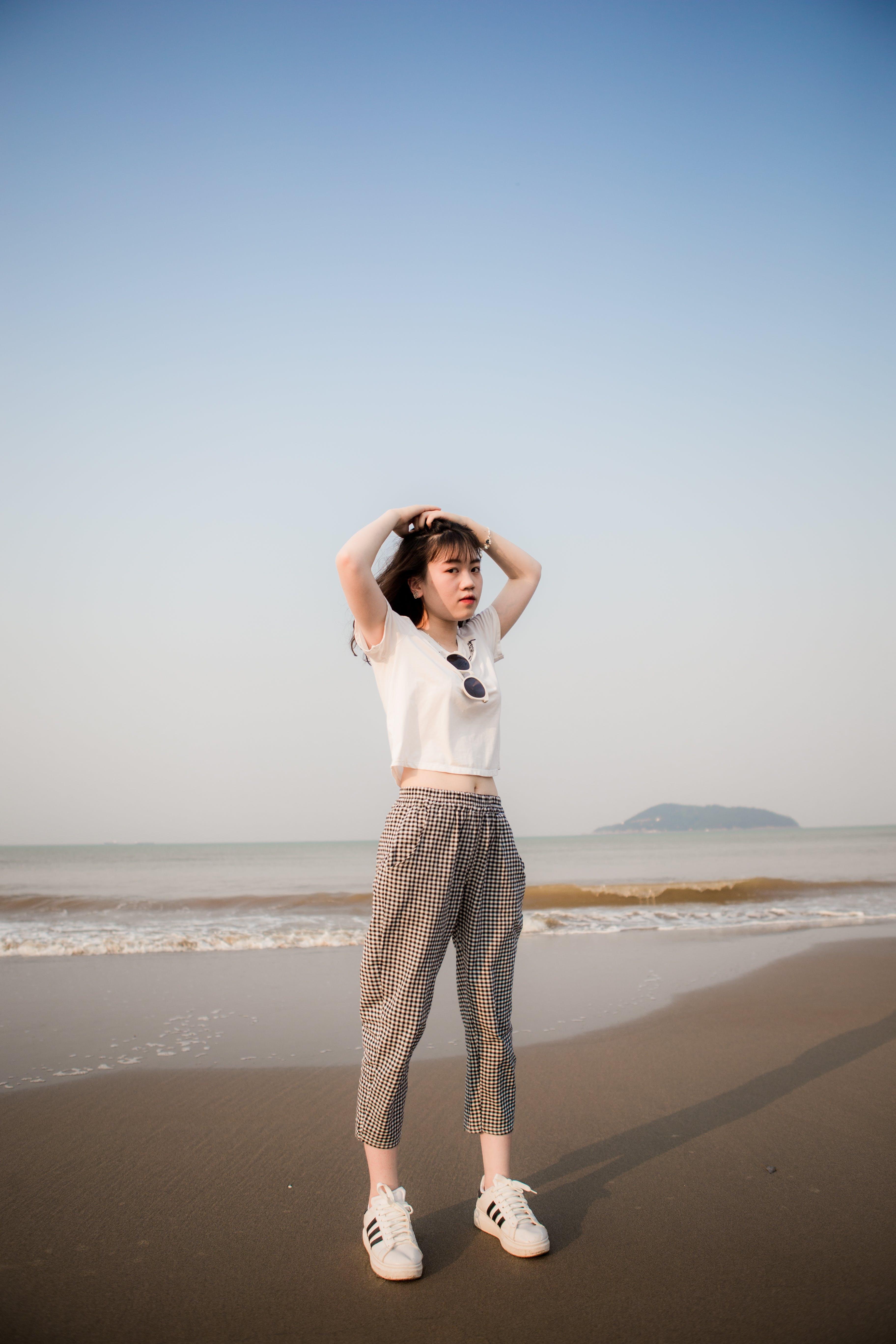 Δωρεάν στοκ φωτογραφιών με άμμος, άνθρωπος, ασιατικό κορίτσι, ασιάτισσα