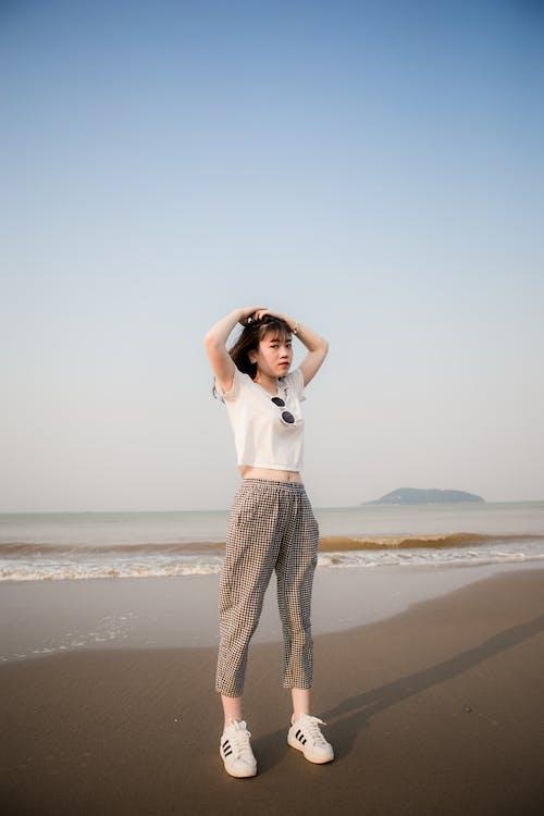 Fotobanka sbezplatnými fotkami na tému Ážijčanka, ázijské dievča, cestovať, človek