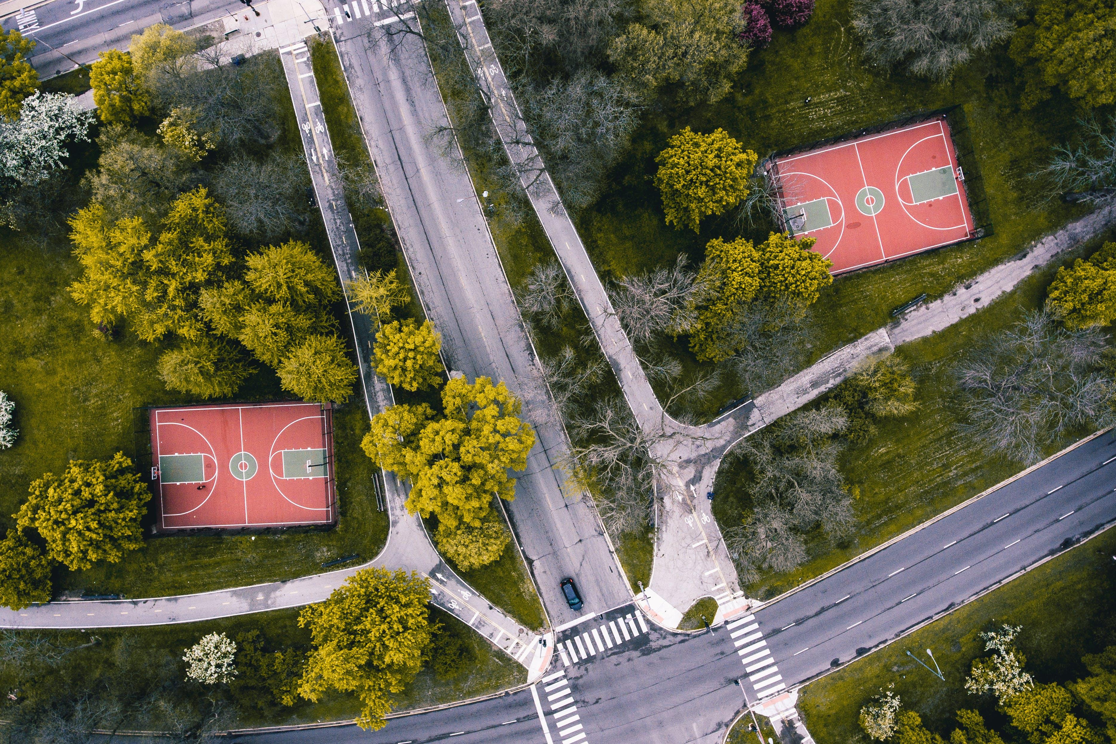 Kostenloses Stock Foto zu basketball, basketball platz, bäume, draußen