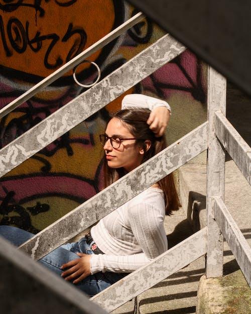 Gratis stockfoto met aantrekkelijk, aantrekkelijk mooi, bril, brillen