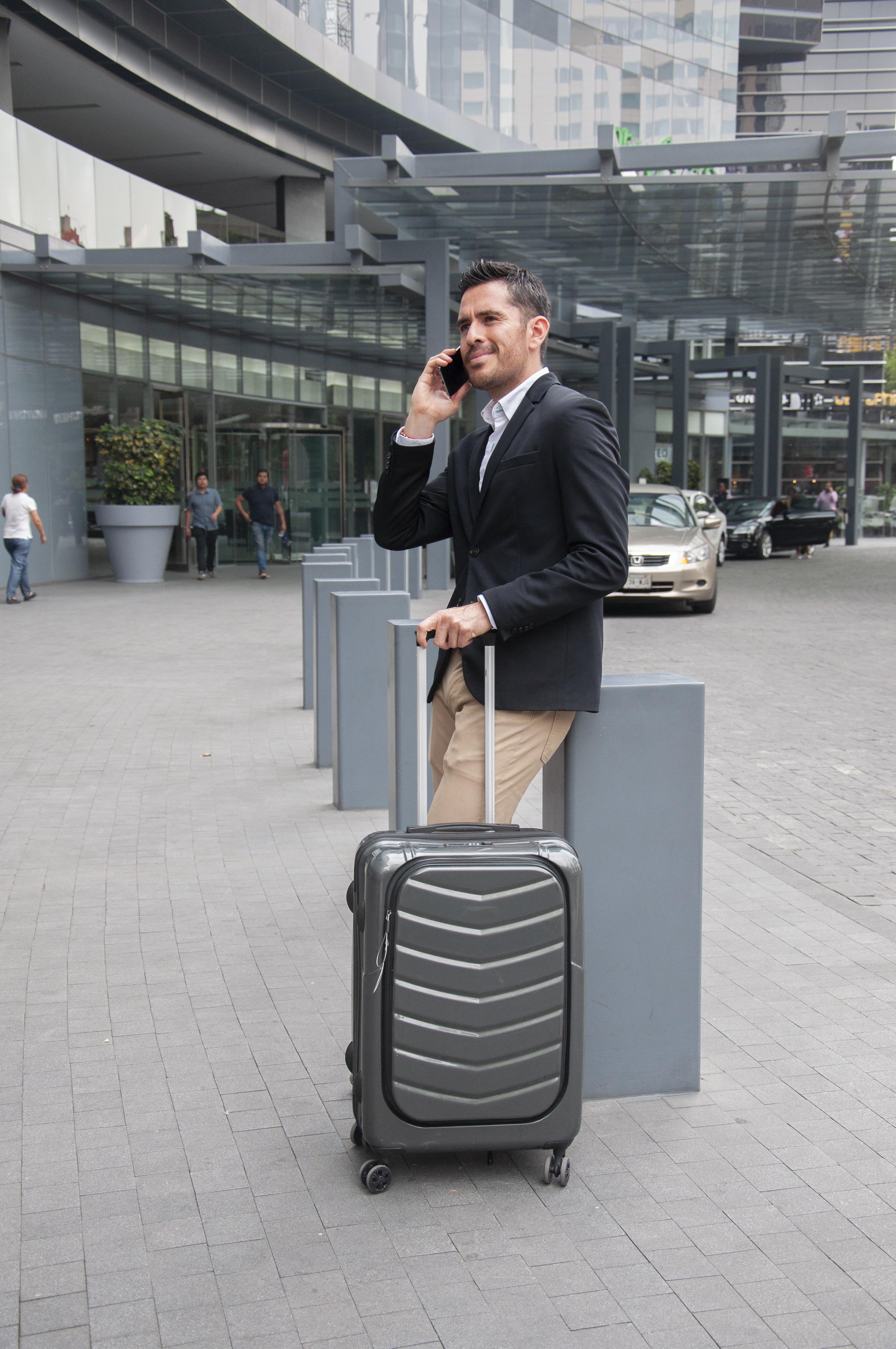 Amn Holding Luggage Bag