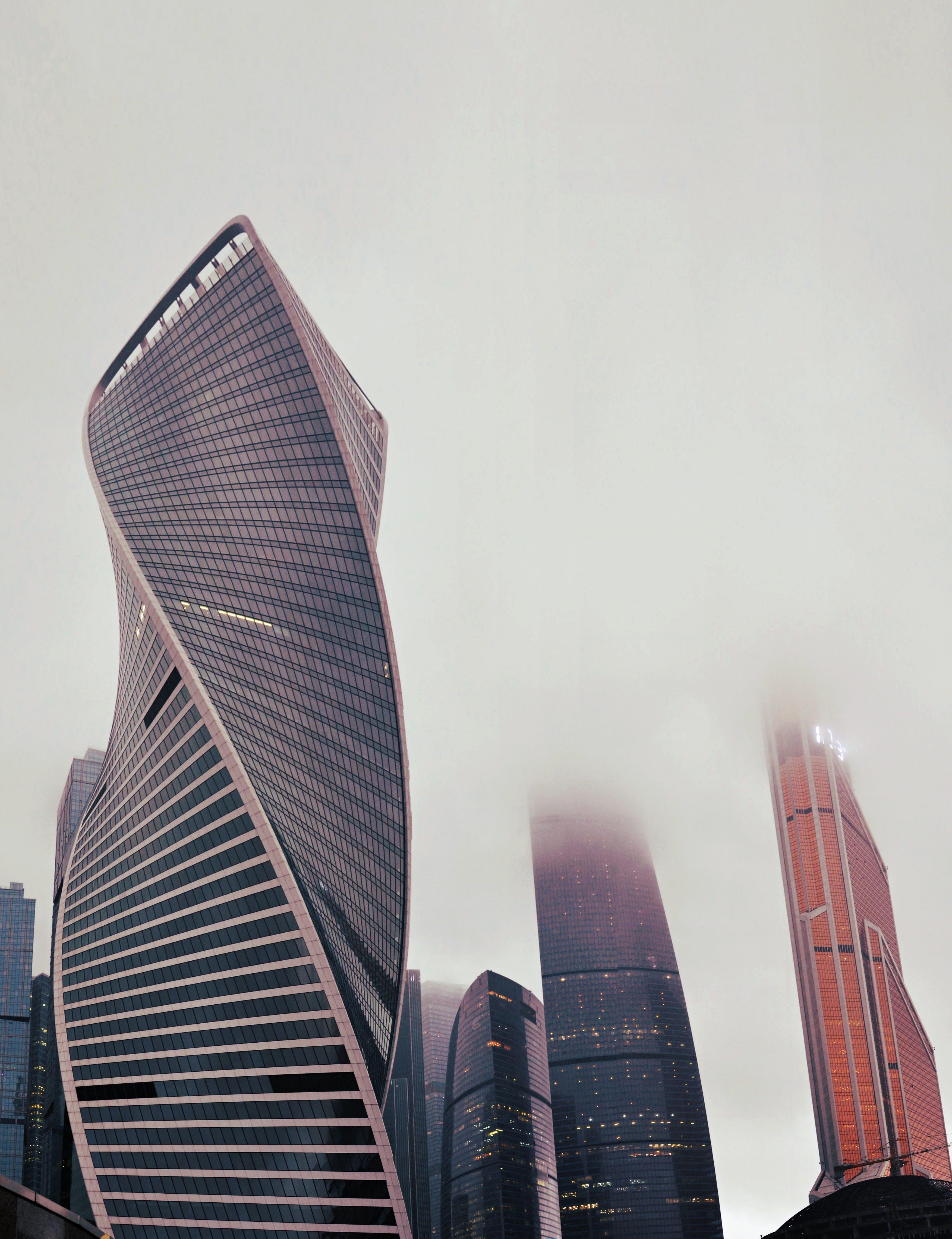 Δωρεάν στοκ φωτογραφιών με αρχιτεκτονική, αρχιτεκτονικό σχέδιο, γυάλινα παράθυρα, εξωτερικό κτηρίου