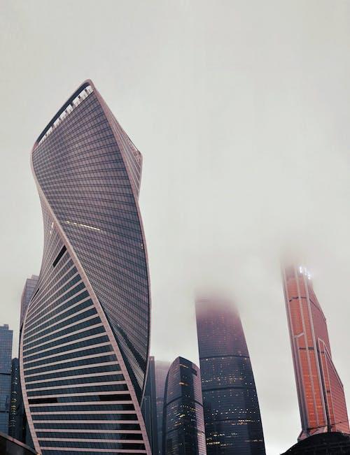 Ingyenes stockfotó alacsony szögű felvétel, borongós, építészet, építészeti terv témában