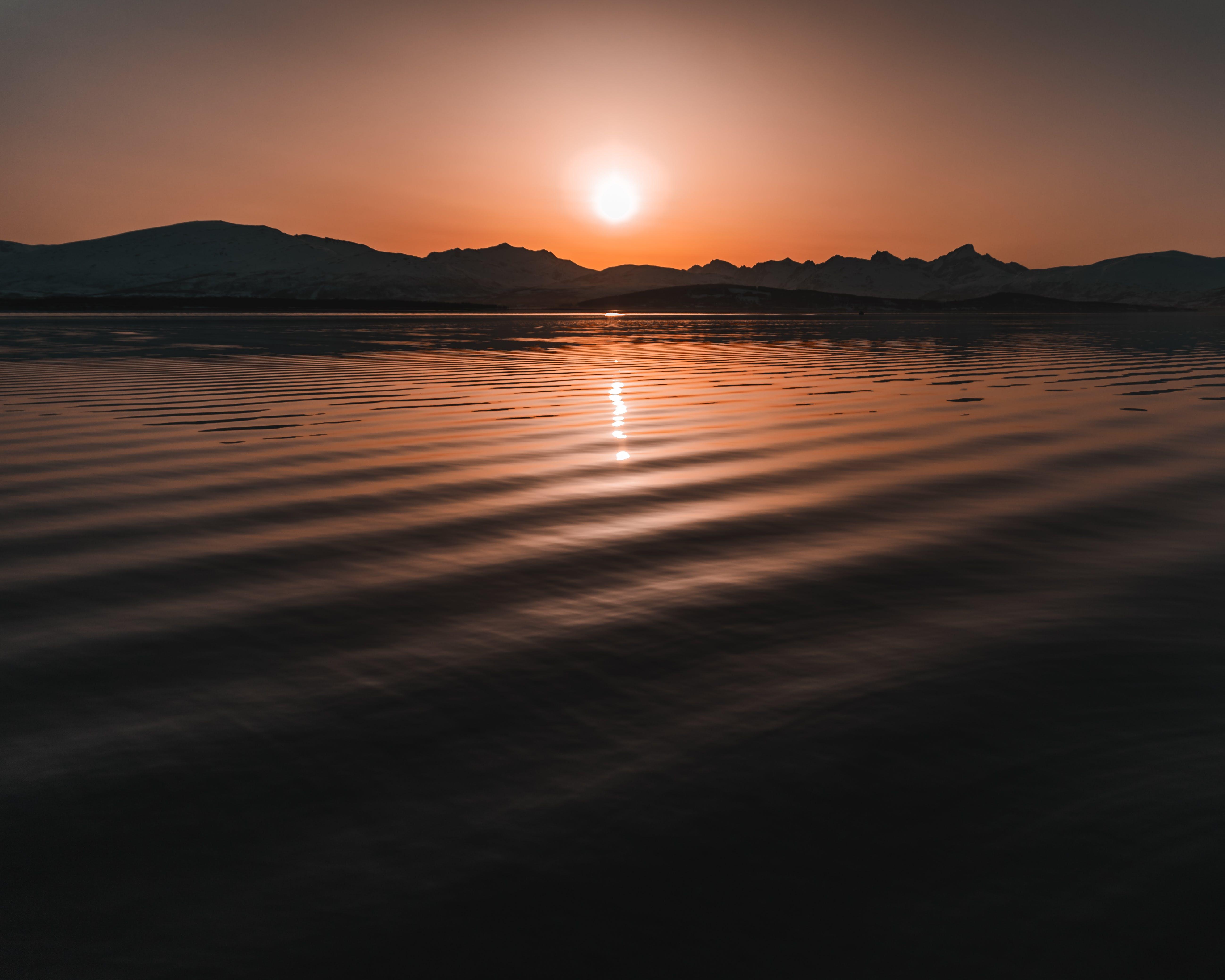คลังภาพถ่ายฟรี ของ ขอบฟ้า, ชั่วโมงทอง, ดวงอาทิตย์, ตะวันลับฟ้า