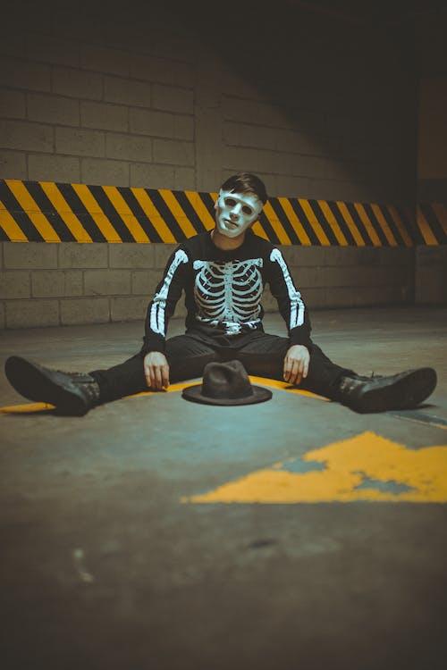 Kostenloses Stock Foto zu gruselig, kleidung, kostüm, mann