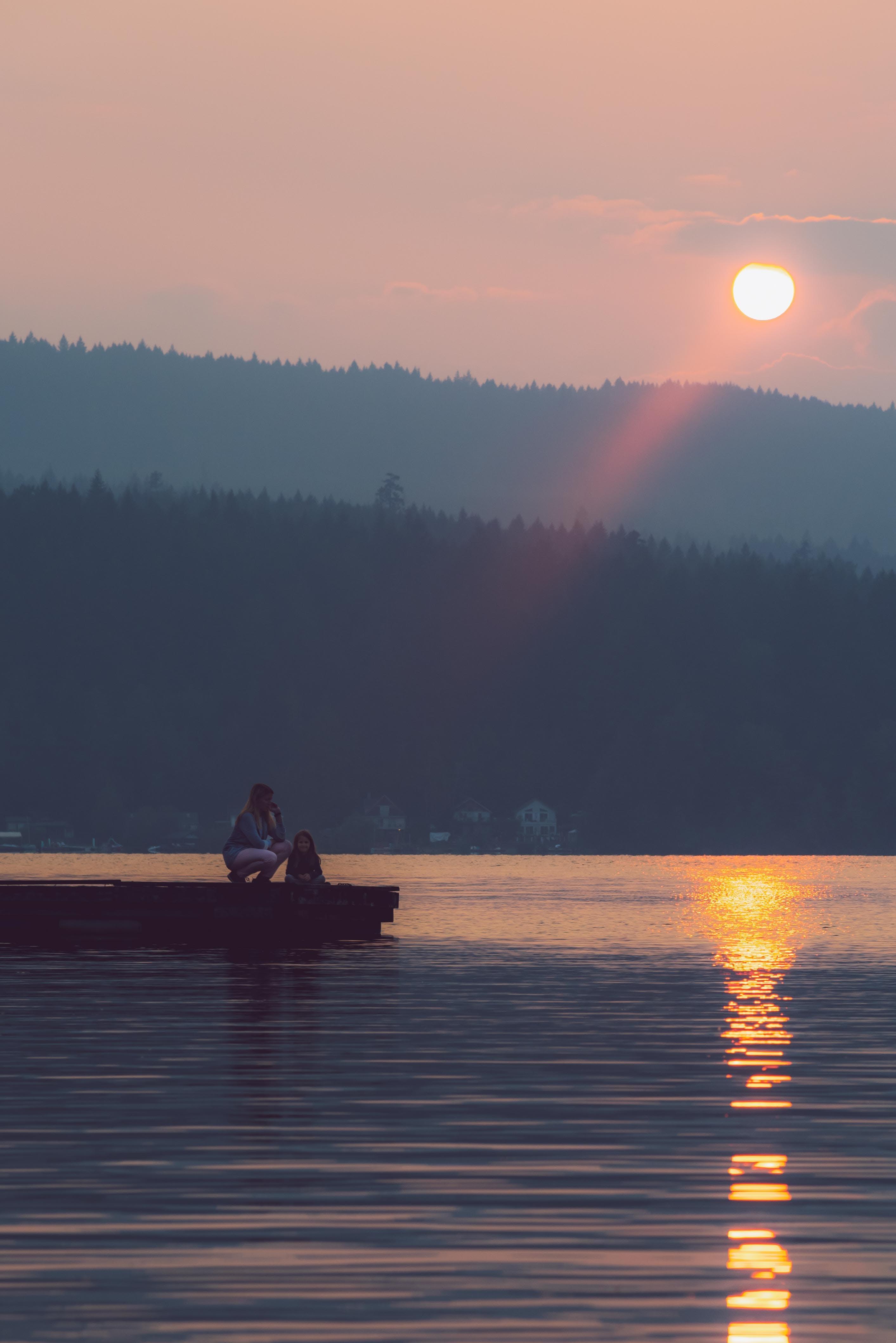 Foto stok gratis air, anak perempuan, cahaya, danau