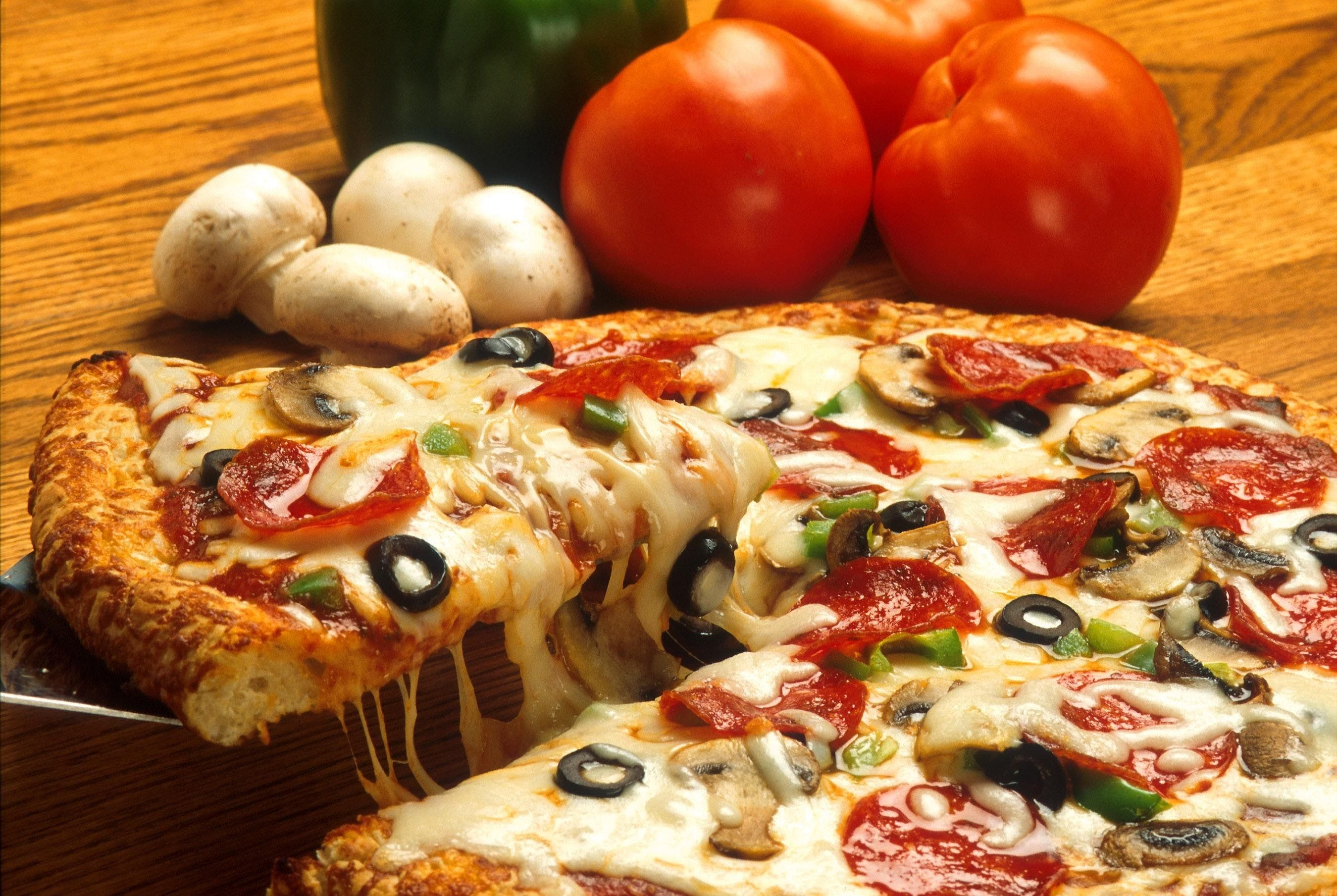 Mozzarella Pizza Beside Mushrooms and Tomatoes