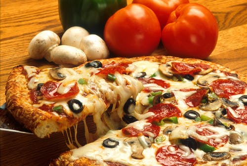 Mozzarella Pizza Beside Mushrooms and Tomatoes