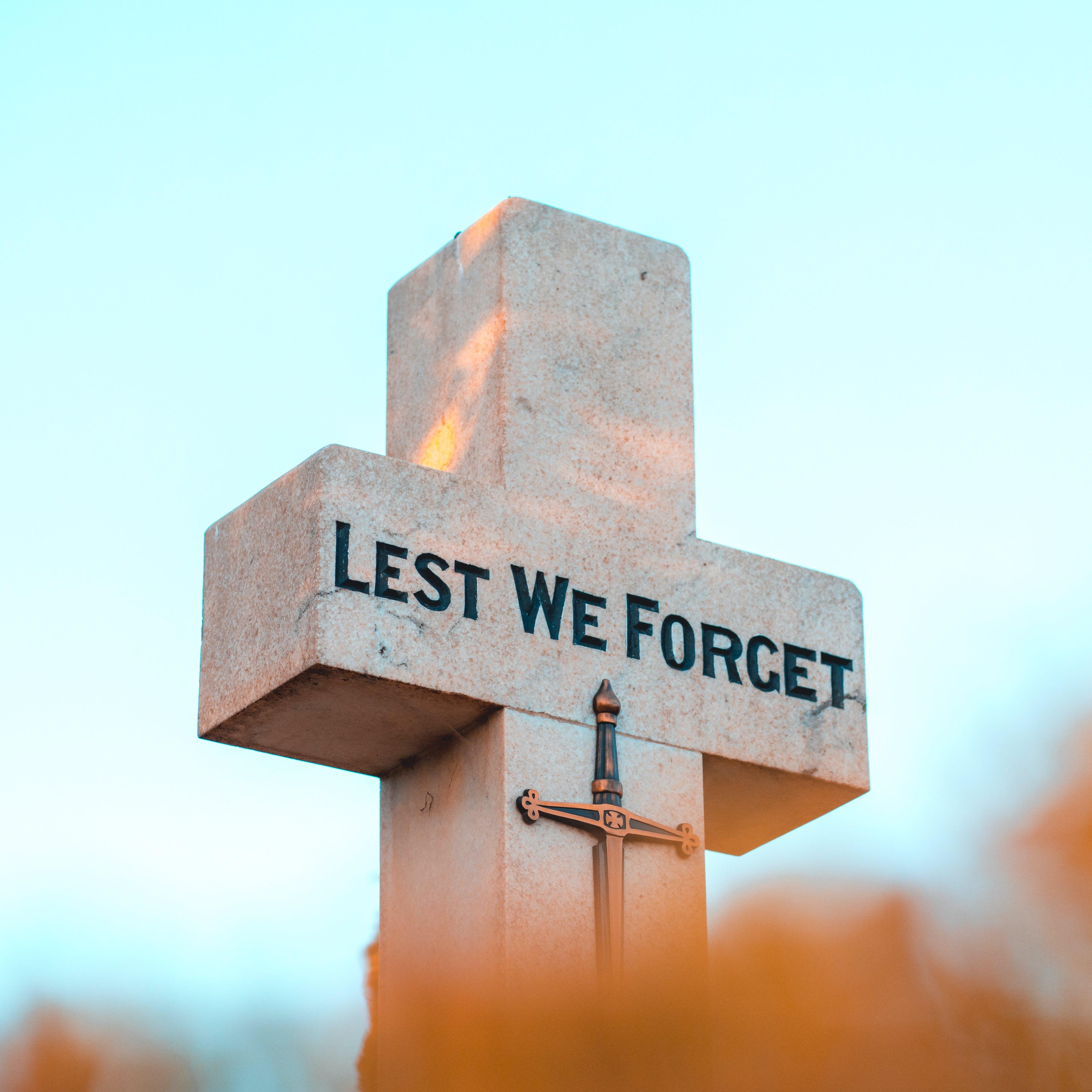 Základová fotografie zdarma na téma abychom nezapomněli, kříž, památník, vzpomínkový den