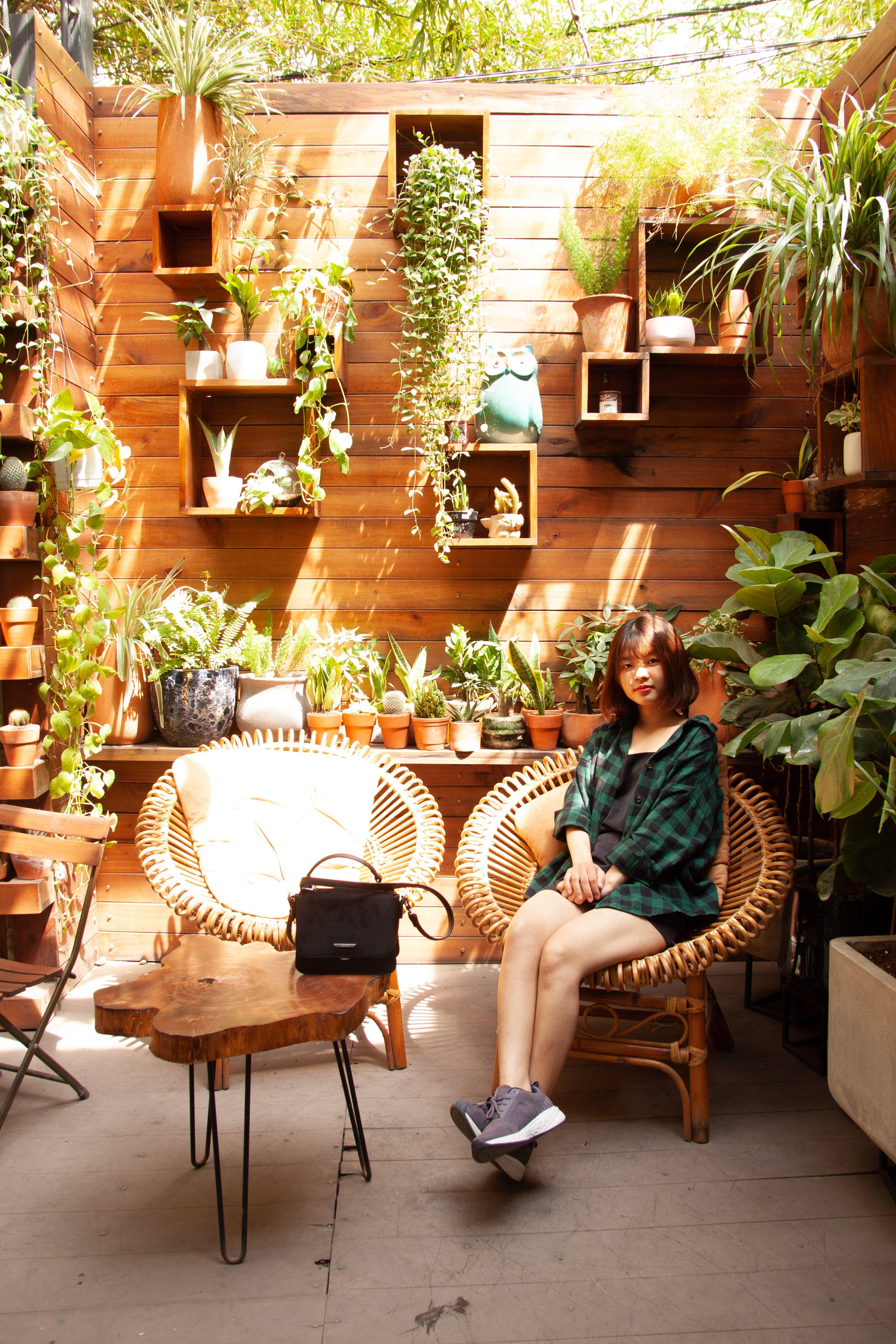 Gratis stockfoto met architectuur, Aziatisch meisje, Aziatische vrouw, binnen