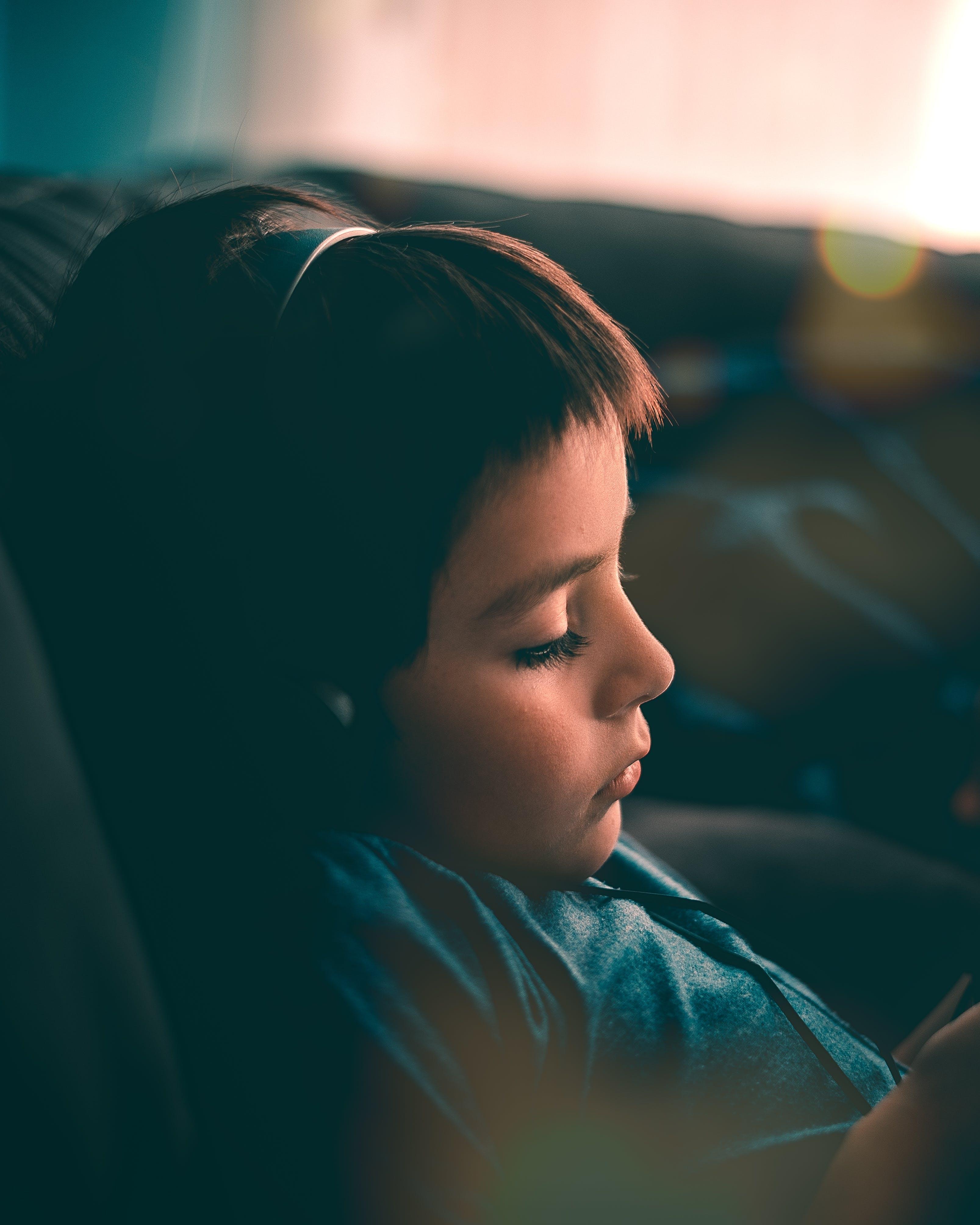 Gratis lagerfoto af afslapning, barn, close-up, Dreng