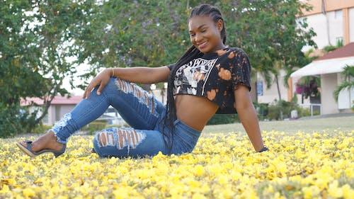 Immagine gratuita di bel fiore, donna bellissima, modello