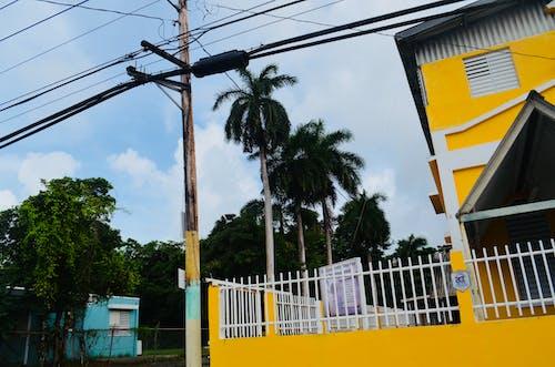 Gratis stockfoto met #geel, eiland leven, geel huis, huizen