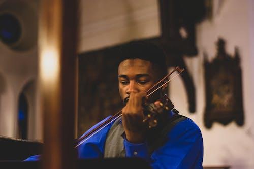 Fotobanka sbezplatnými fotkami na tému černoch, človek, hudobník, hudobný nástroj