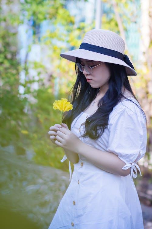 Foto profissional grátis de atraente, beleza, bonita, chapéu