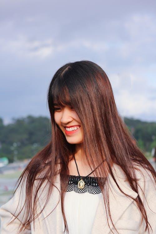 Kostnadsfri bild av asiatisk kvinna, attraktiv, ha på sig, hår
