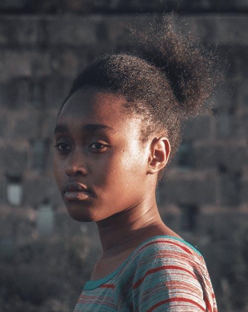 Kostnadsfri bild av afro, ansikte, attraktiv, ha på sig