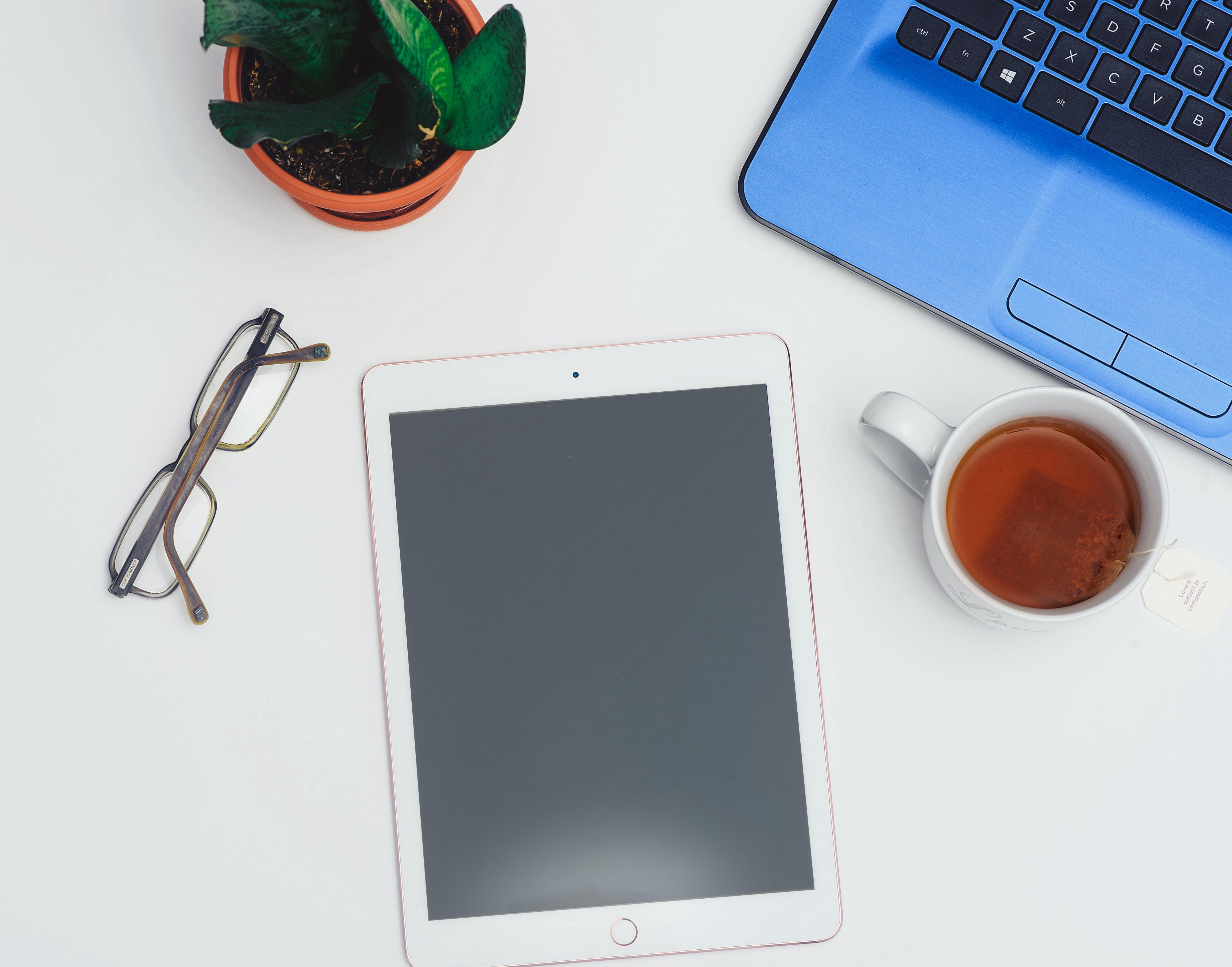Immagine gratuita di computer, dispositivo, elettronica, flat lay