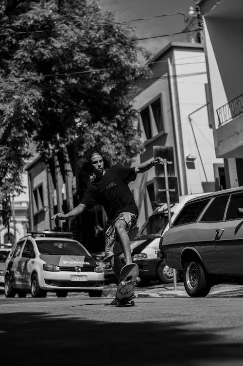 Immagine gratuita di auto, bianco e nero, fare skateboard, pattinare