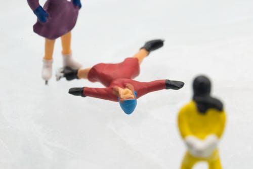 Foto d'estoc gratuïta de joguina en miniatura, patinatge de monopatí