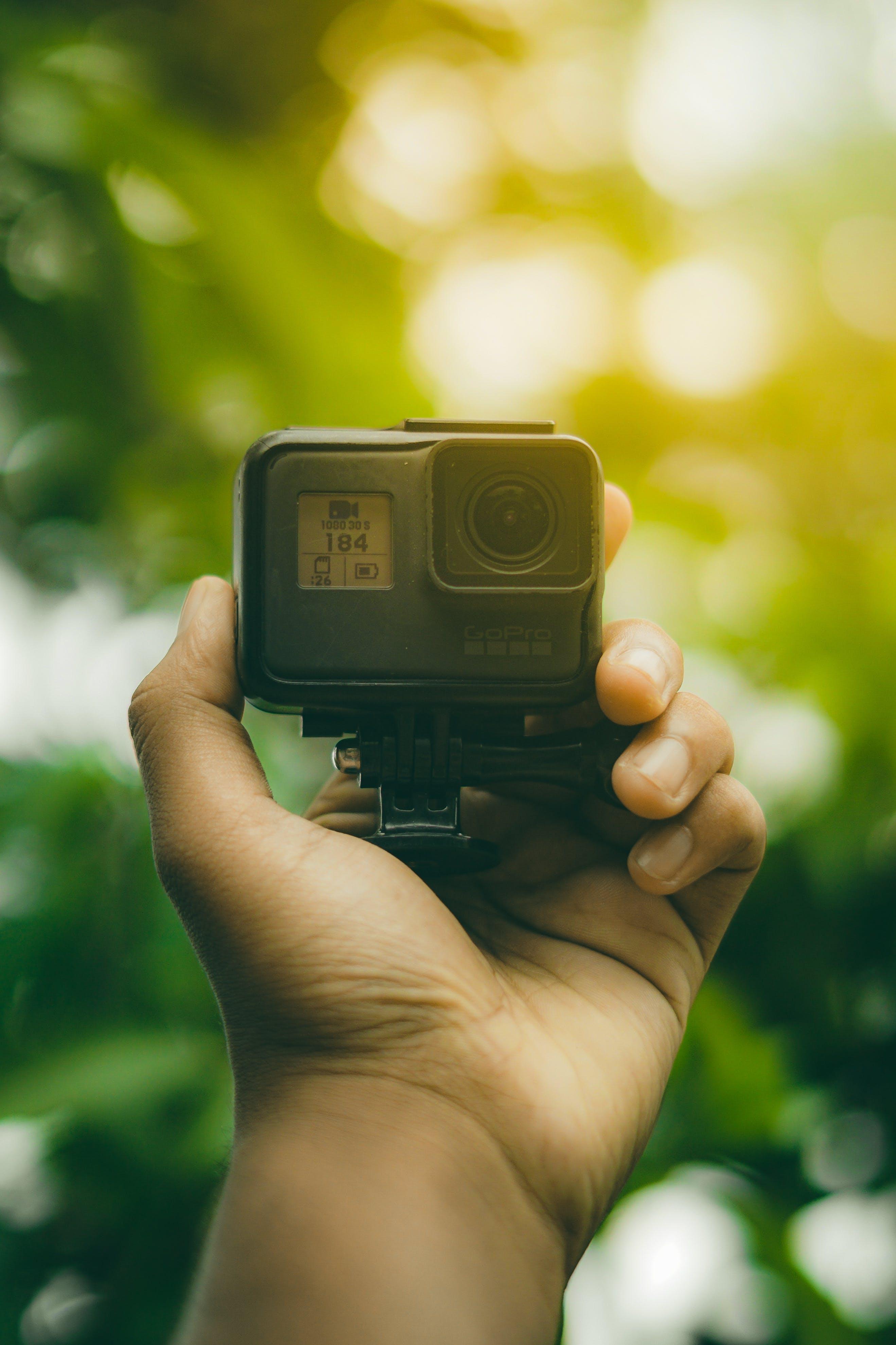Ingyenes stockfotó akció kamera, fényképezőgép, gopro, kéz témában