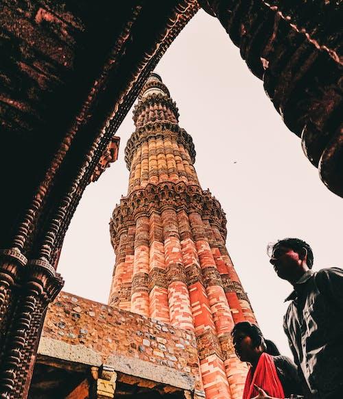 亞洲建築, 人, 低角度拍攝, 低角度攝影 的 免费素材照片