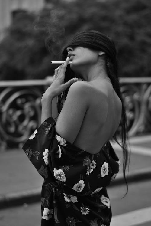 คลังภาพถ่ายฟรี ของ การสูบบุหรี่, ขาวดำ, คน, ควัน