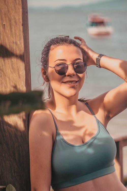 Бесплатное стоковое фото с активный отдых, выражение лица, досуг, женщина