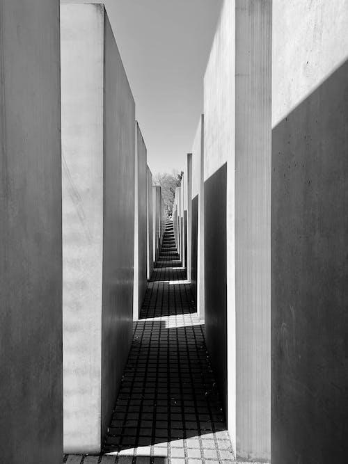 Darmowe zdjęcie z galerii z architektura, beton, budynek, cień