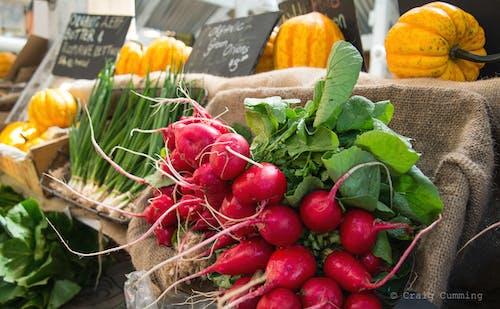 Foto d'estoc gratuïta de mercat de pagesos, verdures fresques