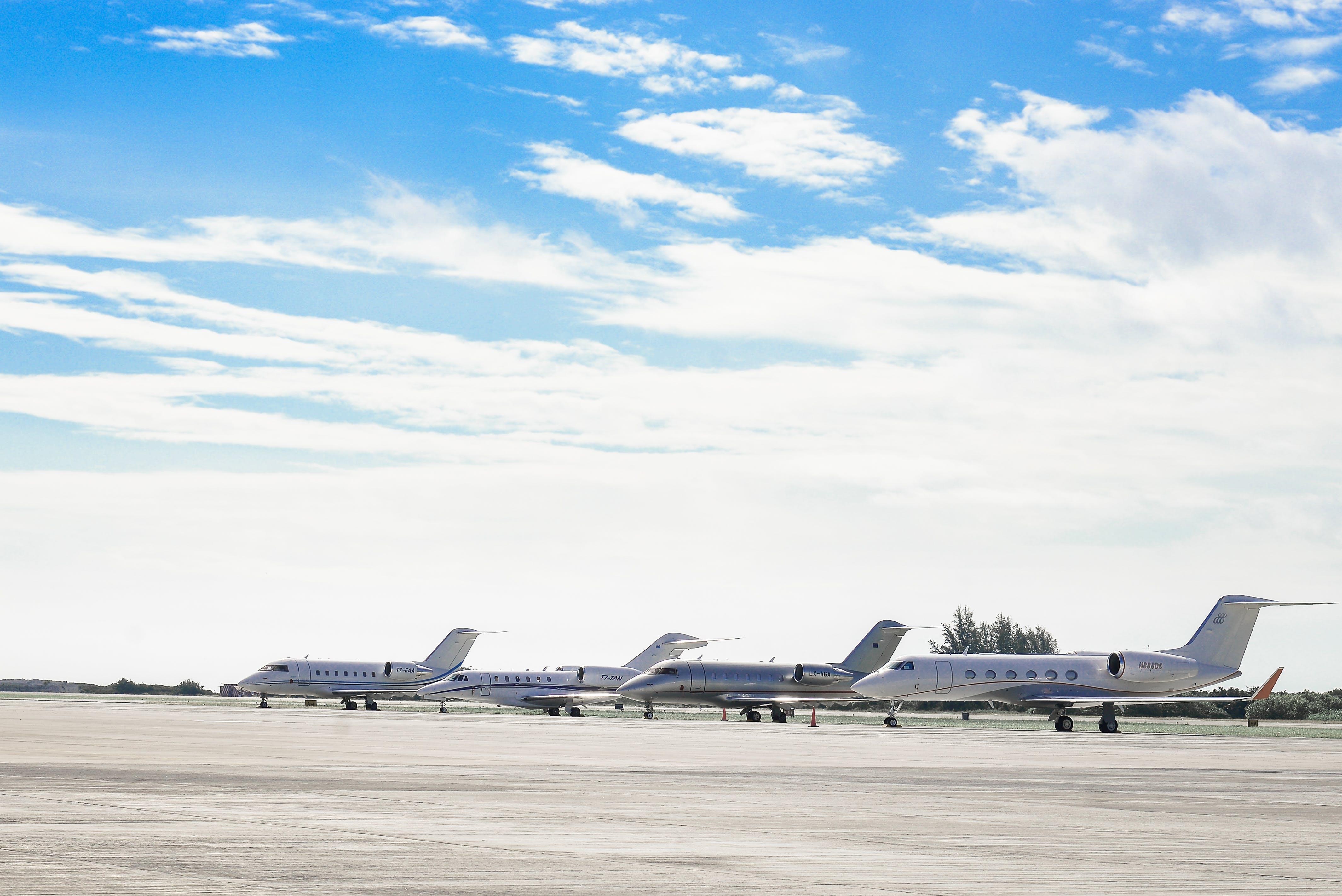 Δωρεάν στοκ φωτογραφιών με trans maldivian, αεριωθούμενο, αεροδρόμιο, αεροπλάνα