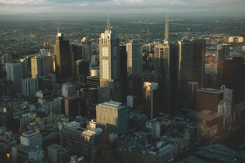 Darmowe zdjęcie z galerii z architektura, budynki, drapacze chmur, fotografia z drona