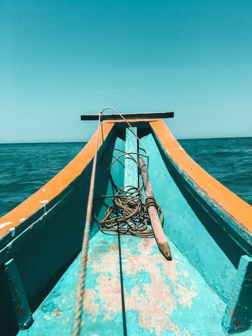 Foto d'estoc gratuïta de barca, blau, cel blau, línia de costa